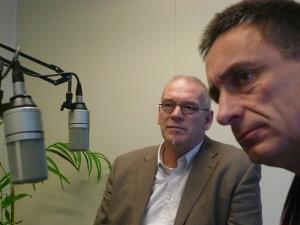Rechts van ondergetekende zit Jelle Boerema, wethouder in Kollumerland c.a.