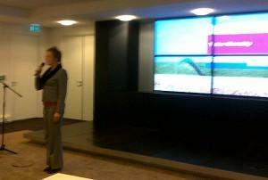 Dappere voorvechtster Anouschka Duinstra legt uit hoe de provincie tegen de Digitale Agenda aankijkt.