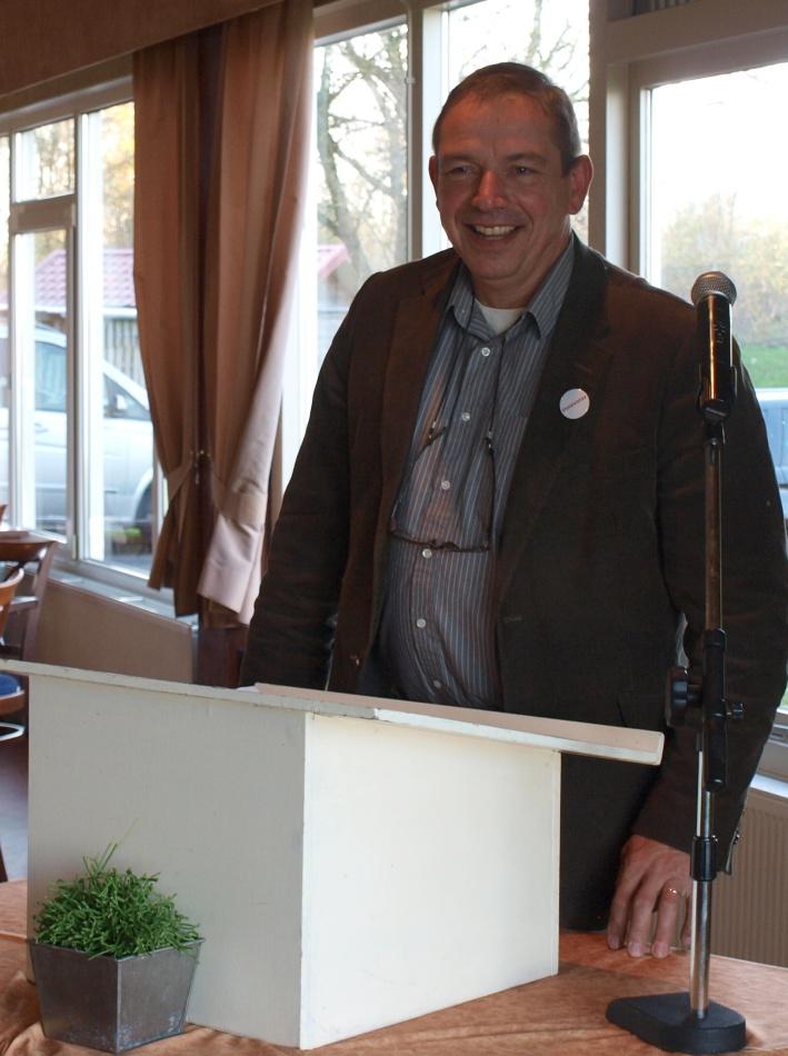 Toespraken, onder andere van ceremoniemeester en oud-klasgenoot Hein Pols. Foto Festina Lente, Inge van Hesteren