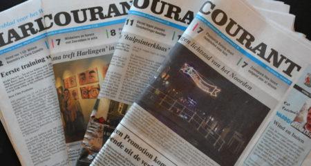 Stapeltje exemplaren van de Harlinger Courant