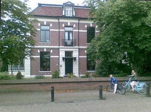 Huize van Hesteren, Warmenhuizen.